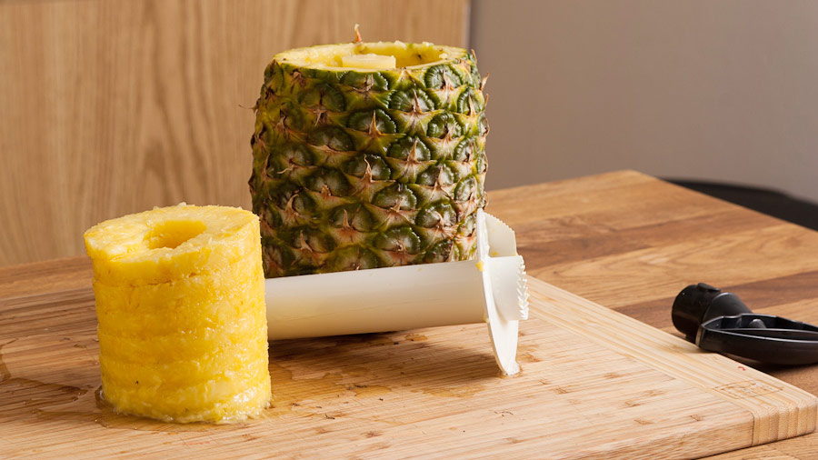 how-to-cut-pineapple-core-rings