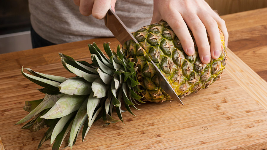how-to-cut-pineapple-cut-off-top